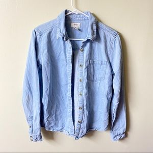 Forever 21 small Blue Chambray button Down shirt